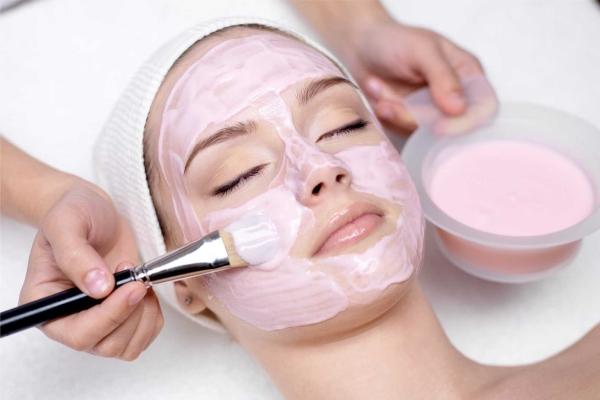 Клубнично-сметанная маска для лица