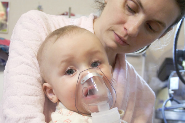 Проведение ингаляции младенцу